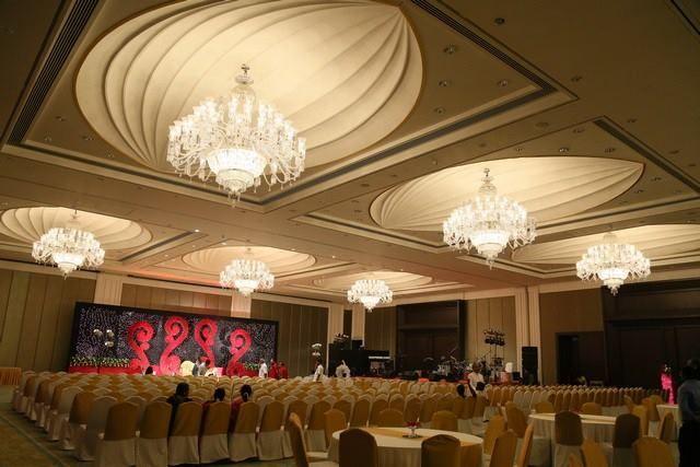 Wedding in 5 star hotel in Banquet hall