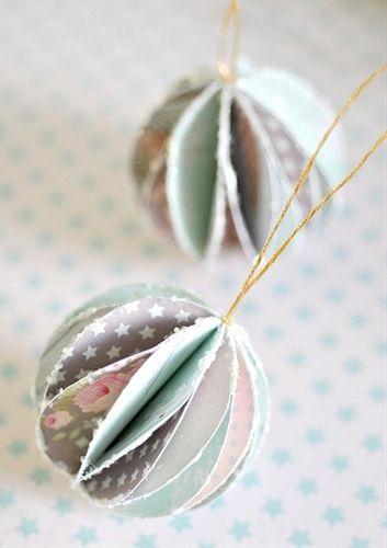 27 Wonderful Paper And Cardboard DIY Christmas Decorations