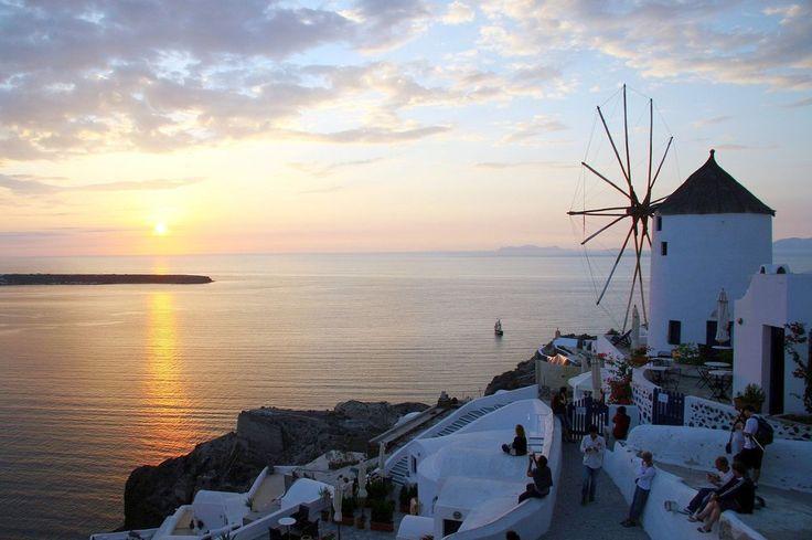 Akrotiri Event Brings Overtourism on Santorini into the Spotlight