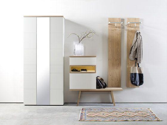 Oltre 25 fantastiche idee su mobili da ingresso su pinterest tavolini per l 39 ingresso met del - Mobili guardaroba da ingresso ...
