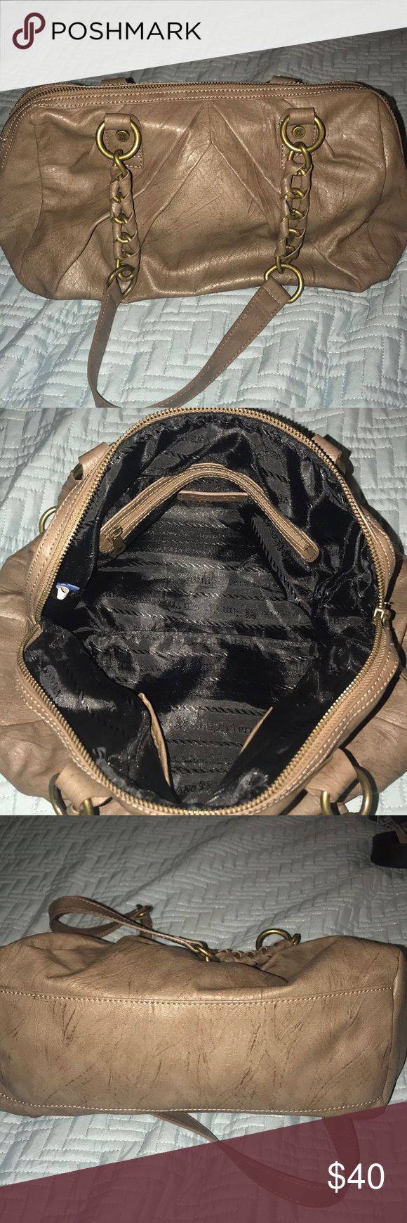 Simply Vera Vera Wang Bag •Simply Vera Wang Bag •Simply Vera Wang •Color: Brown  •Leather •Shoulder Bag •Super Condition   •Used one time •Measurements on Last pics Simply Vera Vera Wang Bags Shoulder Bags