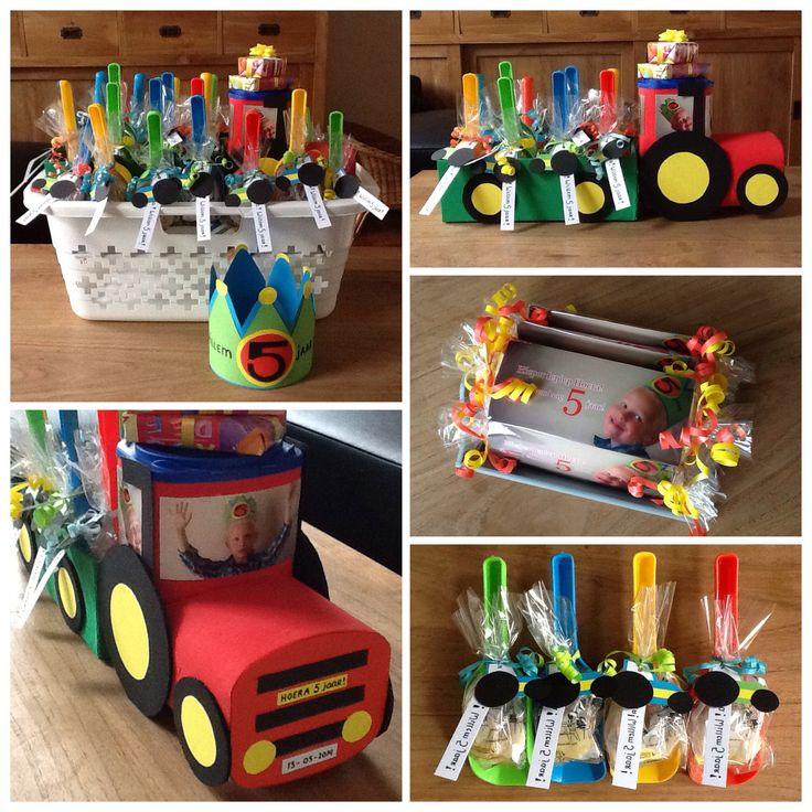"Traktatie ""Tractor"" gemaakt van lege flesvoedingsdozen, schoenendozen, karton etc."