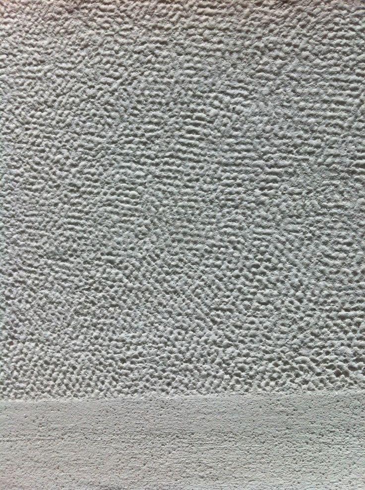 Textured lime plaster