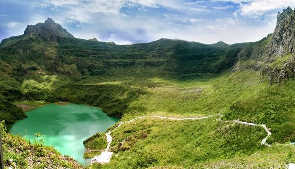 wisata gunung kelud, danau kawah gunung kelud (sightseeing mountain Kelud, lake cauldron mountain) ... ;)