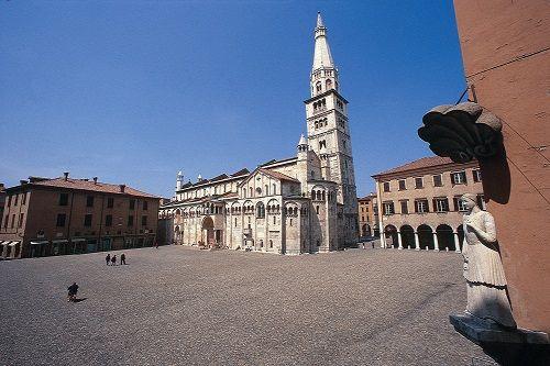 Modena San Geminiano: Sito Unesco piazza Grande accesso gratuito