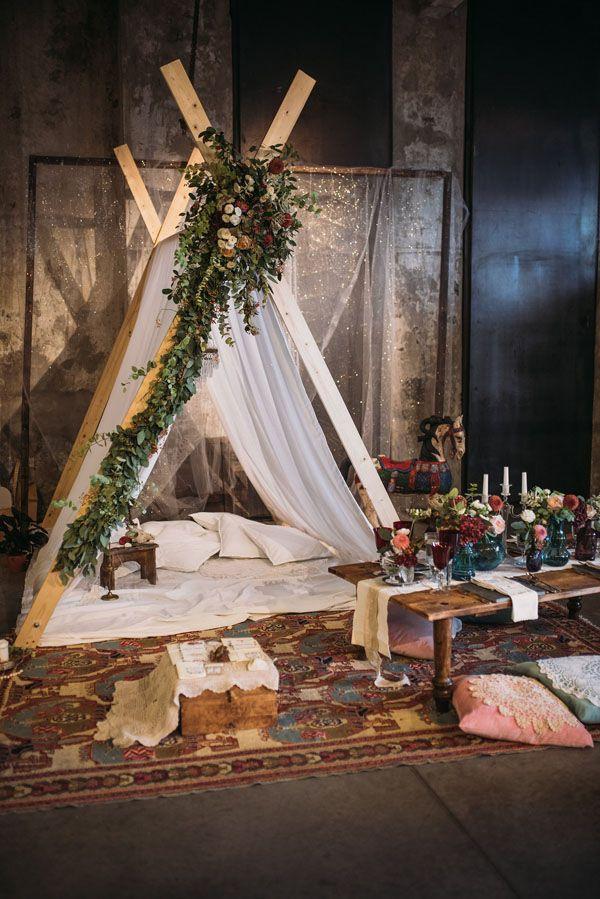 bohemian teepee http://weddingwonderland.it/2015/11/the-love-affair-matrimonio-boho-chic.html