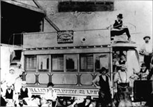 Horse Tram No. 1 after being painted at the Wendouree Depot in 1887.  http://www.ballarathistoricalsociety.com/collection/Records/Record122.79.htm