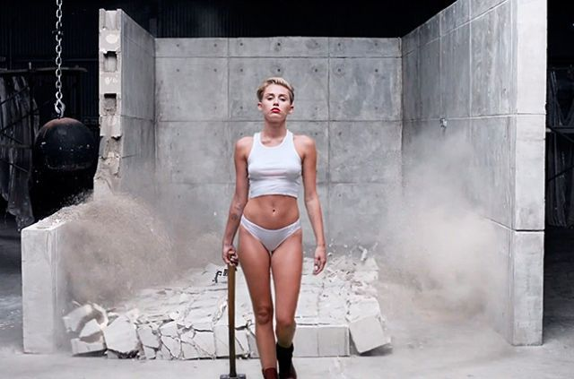 #ViralVideo of the Week: #MileyCyrus – Wrecking Ball