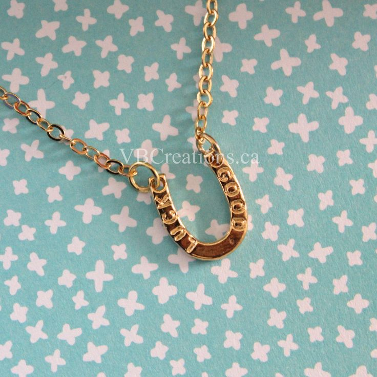 Le chouchou de ma boutique https://www.etsy.com/ca-fr/listing/516581023/collier-fer-a-cheval-collier-chance