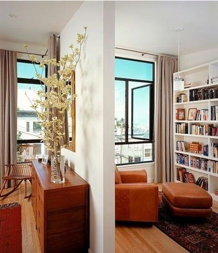 From this perspective, we can clearly see the two is divided into two spaces, rustic furniture selection, full of calm and charm. Study is build into the reading type. Big bookshelf against the wall and located in the middle part of the place to a comfortable armchair and footstool, composed of quiet and extremely enjoyable reading area.