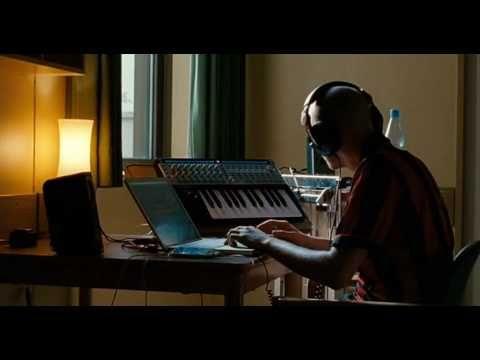 Film: Berlin Calling (2008) Director: Hannes Stöhr  Canción: Azure (Berlin Calling edit) Intérprete: Paul Kalkbrenner  Compositor: Paul Kalkbrenner  Género: Electrónica / Deep House / Minimal Techno  #MPM20155 #FilMusic Un dj en el auge de su carrera, sufre de una sobredosis y es internado en una clinica psiquiátrica. Paul, que interpreta al dj, recupera su inspiración y ganas de vivir y compone esta pista. No hay necesidad de líricas para que una pieza sea emotiva.