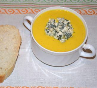 Густой суп-пюре из тыквы с курицей и мускатным орехом