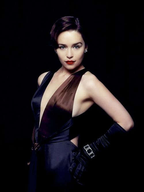 Emilia Clarke as Holly Golightly. I want to BE her.