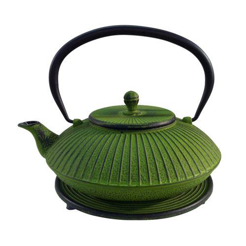 Tekanna 1,15 ljusgrön. Tekanna i japansk stil. Den är gjord i gjutjärn med emaljerad insida och löstagbar rostfri sil. Ett matchande underlägg följer med.