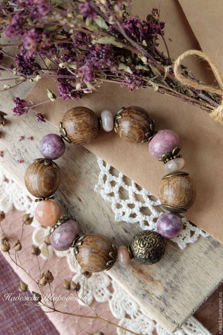 """Купить Браслет с камнями """"Ежевичный сахар"""" - ежевичный, карамельный, браслет на резинке, браслет с камнями"""