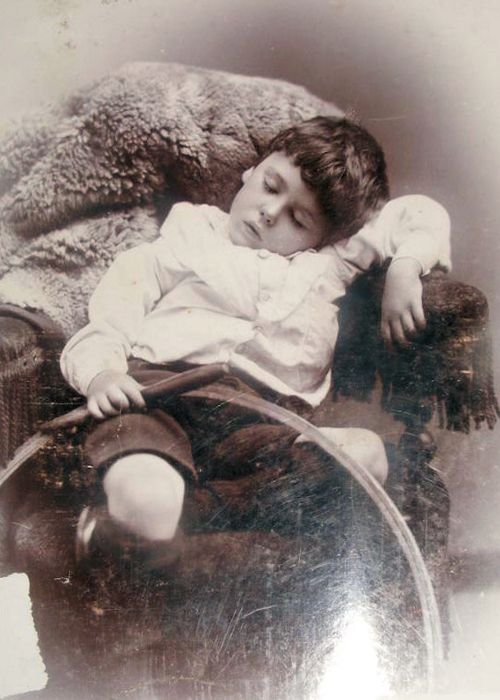 Victorian Post Mortem Photography: Victorian Photo, Precious Children, Memento Mori, Creepy Photo, Postmortem Photography, Moment Mori, Posts Mortem Photography, Victorian Posts, Little Boys