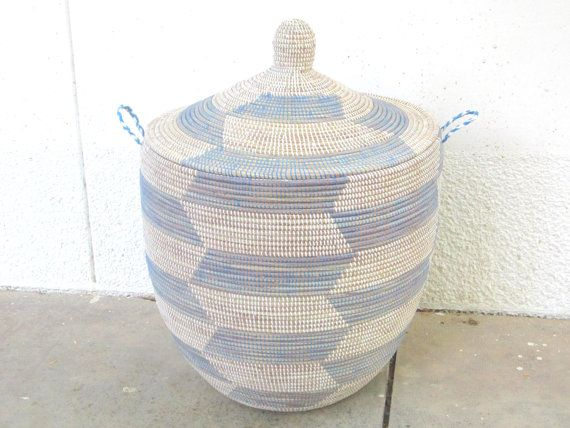 Wäschekorb Extraweit, blau weiß, geometrische Muster, große, Cesto, Geschenkband, nautisch Dekor, Kinderzimmer Speicher bin Bleu ciel on Etsy, CHF152.52