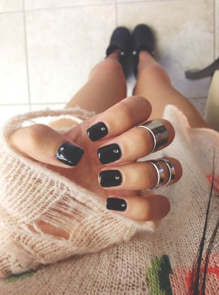 Midi Rings + Black Nails