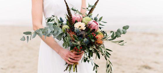 Brautstrausß mit Federn