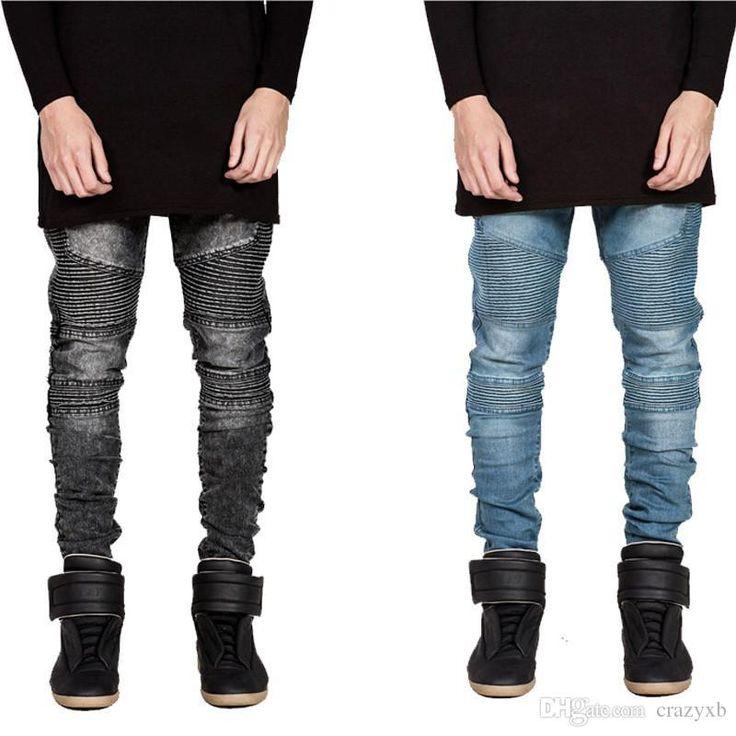Se diseño en base a las tendencias juveniles, Jean para caballero estilo rasgado con lineas, Color oscuro y claro,talla 28-38, precio 80.000 $