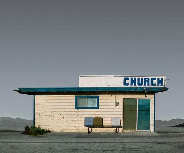 """Le projet """"Desert Realty"""", du photographe américain Ed Freeman, basé à Boston, qui capture les bâtiments isolés dans les petites villes et les déserts du"""