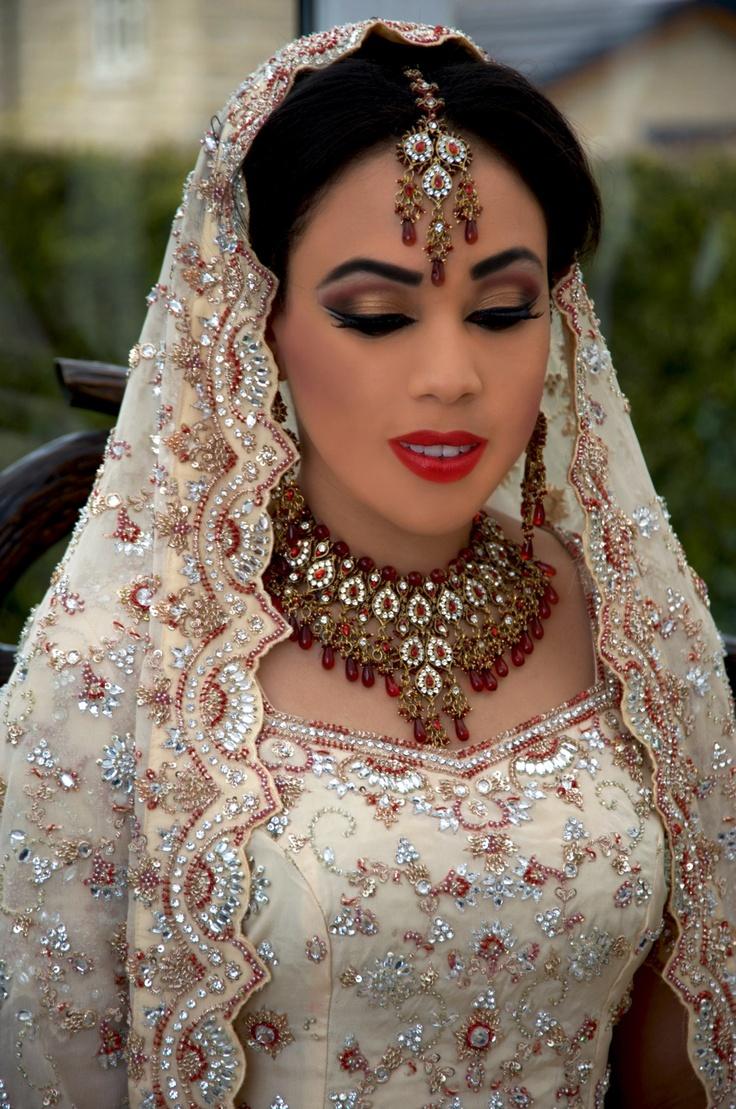 Bridal makeup by The Mehndi Parlour
