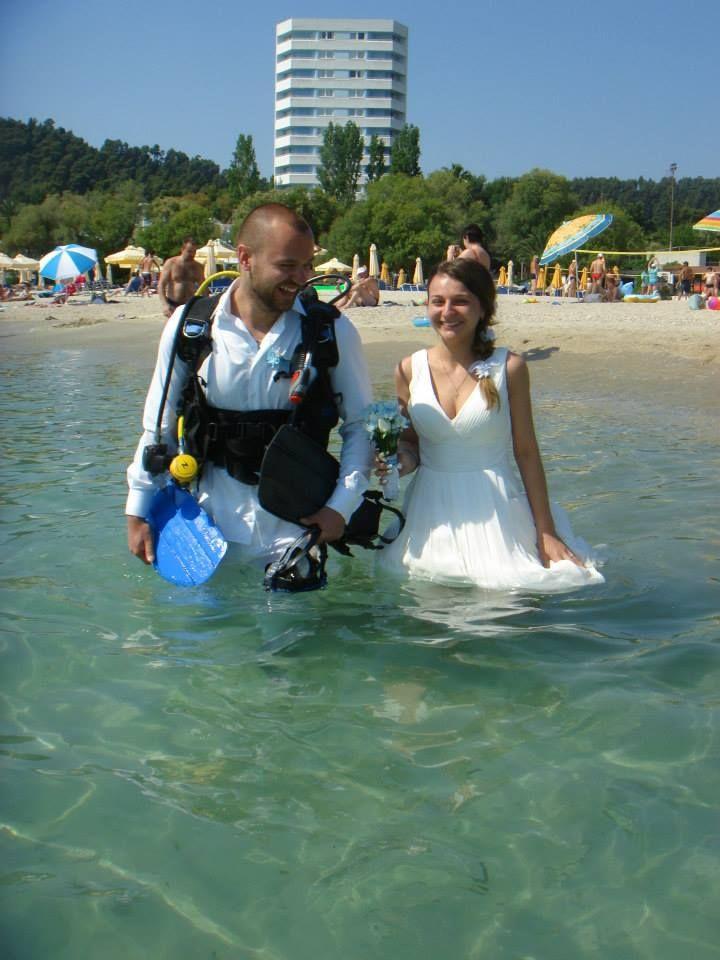under water marriage is in progress!