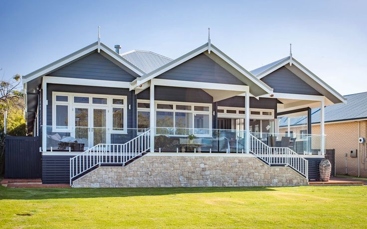 The owners of this Australian Hamptons enjoy everything the Hamptons lifestyle has to offer, from panoramic coastal views to large outdoor entertaining spaces.