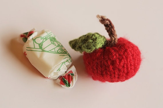 Knitted Apple Brooch by blessyourcottonsocks on Etsy, $15.00