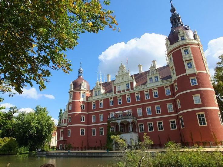 Новый дворец. Заповедник в Бад-Мускау. Германия.