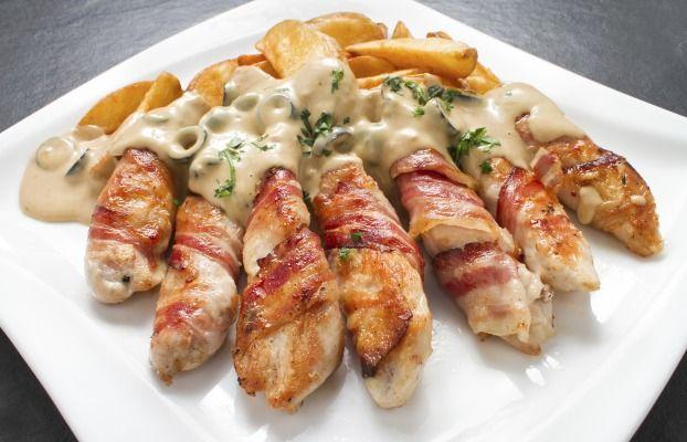 Recette - Allumettes au poulet et lard fumé sauce au Gorgonzola   Notée 4.3/5