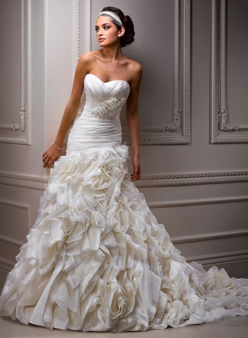 Large View of the Alandra Bridal Gown  This is pretty much exactly what I'm looking for...