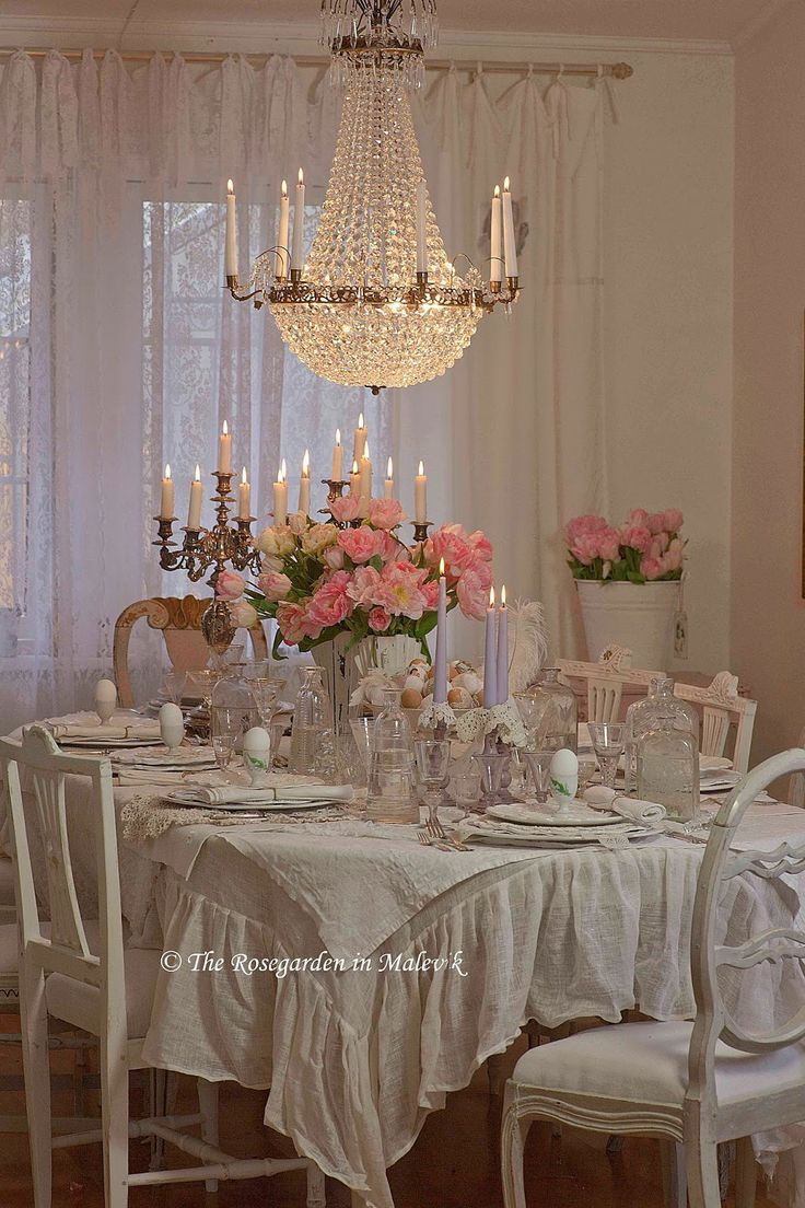 Shabby Chic Dining Room: Best 25+ Shabby Chic Chandelier Ideas On Pinterest