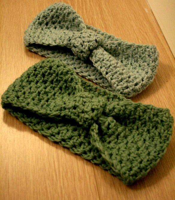 DIY Crochet Bow Headband, Super Cute & Great For Fall/Winter!