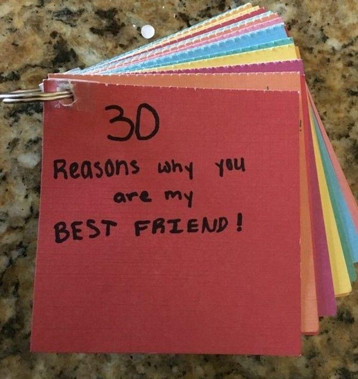 30 raisons pourquoi tu es ma meilleure amie, petit livret, composé de feuilles de couleurs différentes avec des messages, cadeau pour une amie