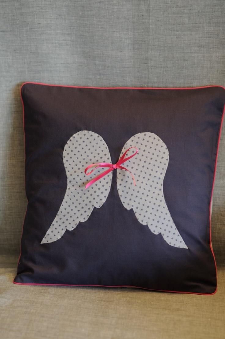 Pillow Coussin ailes d'ange brume étoiles France Duval Stalla - fikOu miKou