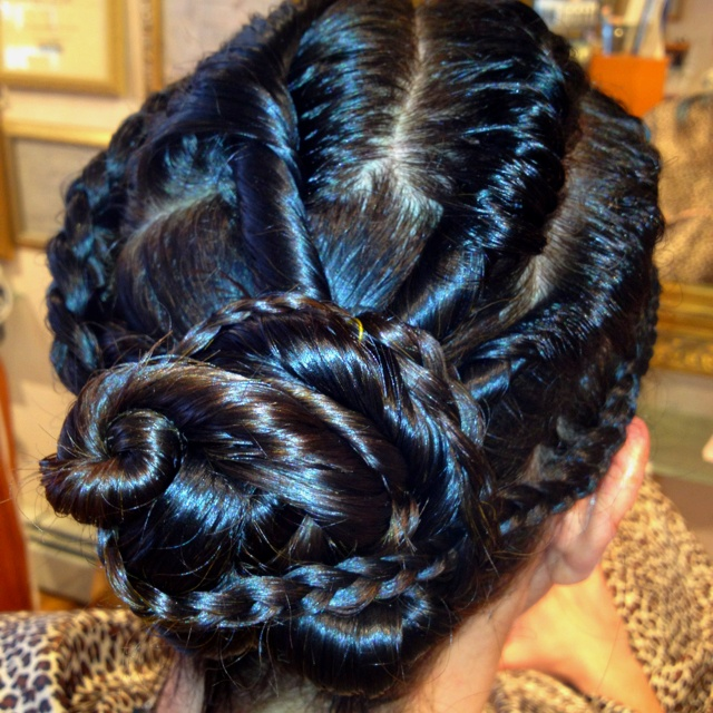 A sweet twist on the old twistie's.By Simony Resende. p3