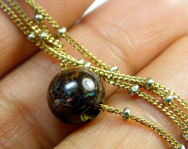 BOULDER OPAL PENDANT 18K ITALIAN GOLD CHAIN SCA1918  Round opal boulder finely polished in a pendant