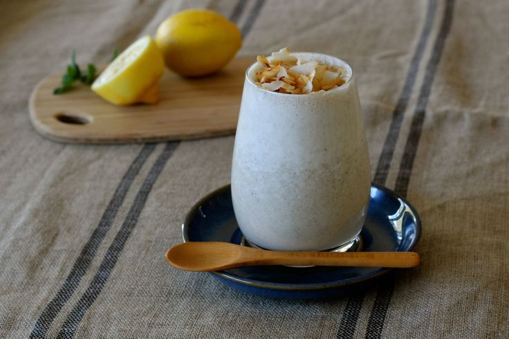 Very Lemony Coconut & Mint Cheesecake Smoothie - The Holistic Ingredient.