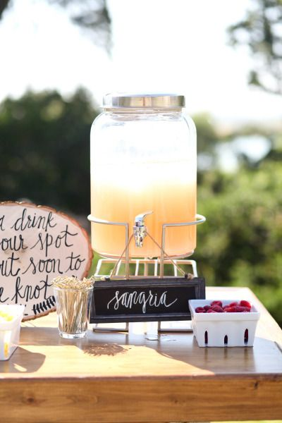 White sangria: http://www.stylemepretty.com/little-black-book-blog/2014/09/30/romantic-paso-robles-winery-wedding/ | Photography: B. Schwartz - http://bschwartzphotography.com/