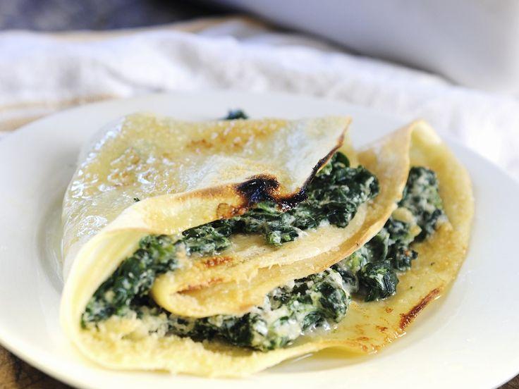 Pfannkuchen mit Spinat-Ricotta-Füllung - smarter - Kalorien: 437 Kcal - Zeit: 50 Min. | eatsmarter.de Yummi!!!