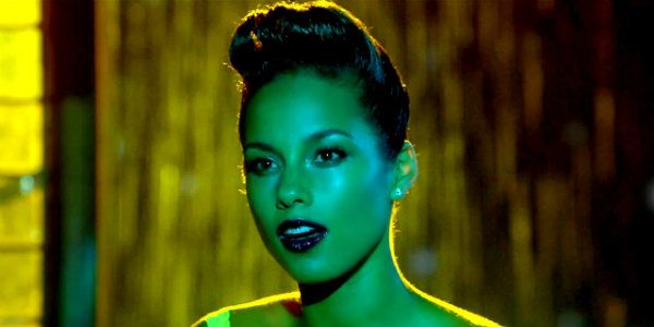 Girl On Fire Alicia Keys Letra E Traducao With Images Nicki