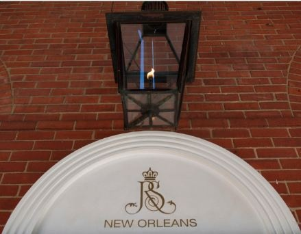 gas lanterns new orleans royals forward gas lanterns outside the royal. Black Bedroom Furniture Sets. Home Design Ideas