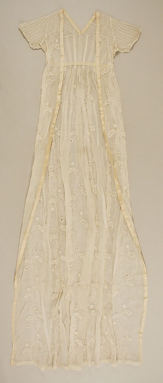 Embroidered cotton open robe, British, 1795-1805.
