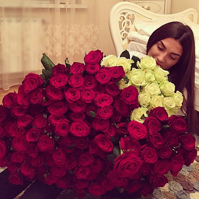 55 best images about teddy bear and bouquet of roses on for Big bouquets of flowers