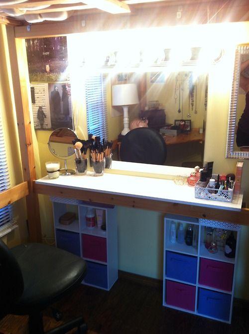 DIY Makeup Vanity! Would Also Make A Great Desk!! :D