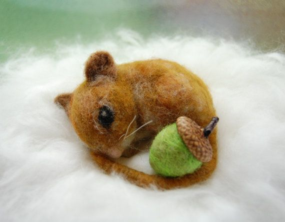 Needle Felted Mouse. Waldorf Animals. Needle Felt Mouse. Cute Mouse. Miniature Mouse Figure. Sleeping Mouse Fall Decor Woodland Animals