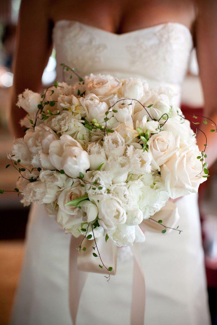 creamy white and blush bouquet