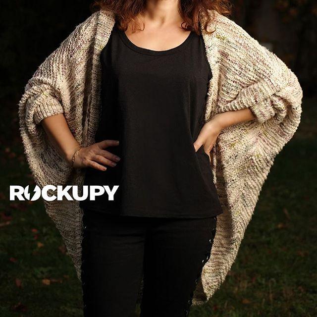 Rockupy'dan yeni iki ürün. Rahat ve feminen tarzıyla vazgeçilmeziniz olacak olan bu bayan hırka ile kuş gözü ve kordon detayları ile dikkat çeken bayan pantolon için detaylar sitemizde. http://www.rockupy.com/36/bayan-hirka http://www.rockupy.com/35/kordon-ve-kus-gozu-detayli-bayan-pantolon  #bayanhırka #bayanhirka #hırka #pantalon #triko #rockstyle #rockfashion #rockupy #bayangiyim #kışmodası #moda #yarasakol