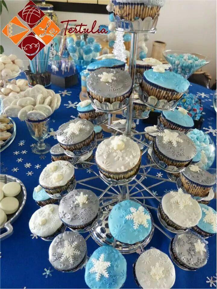 Mesa de dulces y postres para fiesta de frozen www for Mesas dulces para eventos